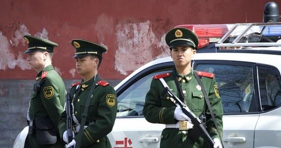 Uzbrojony w nóż napastnik wdarł się w pierwszym dniu nauki do szkoły podstawowej w jednej z wsi w prowincji Hubei na północy Chin. Zabił 8 uczniów, dwoje ranił.