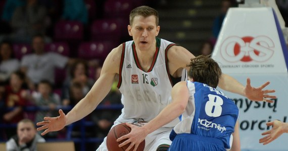 """""""Gratuluję chłopakom tego, że wytrzymali presję w meczu z Chinami mimo takich emocji i niezrozumiałych decyzji sędziów"""" – mówi w rozmowie z RMF FM były koszykarz Cezary Trybański. Jego zdaniem Polskę stać na sprawienie dalszych niespodzianek. """"Chciałbym, żeby o koszykówce zrobiło się u nas głośno, ale obawiam się że będzie to chwilowe i szybko o reprezentacji zapomnimy, a wszystko ucichnie""""– komentuje były gracz ligi NBA."""