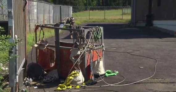 Trzech mężczyzn zginęło w wypadku żurawia podczas prac naprawczych na maszcie radiowym w Eschwege w środkowych Niemczech. Technicy spadli w wysokości 50 metrów na asfaltową nawierzchnię, gdy zerwała się gondola, w której się znajdowali. Zginęli na miejscu. Przyczyny wypadku badają śledczy.