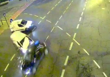 Śmiertelny wypadek w Krakowie. Wjechał na skrzyżowanie na czerwonym świetle [DRAMATYCZNE NAGRANIE]