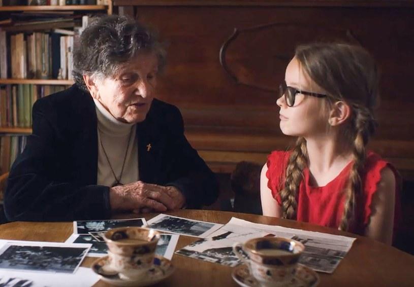 """W związku z 80. rocznicą wybuchu drugiej wojny światowej telewizja HISTORY wyprodukowała serię wyjątkowych wywiadów. """"Dzieci wojny"""" to rozmowy z Polakami, których dzieciństwo przypadło na czasy wojny."""