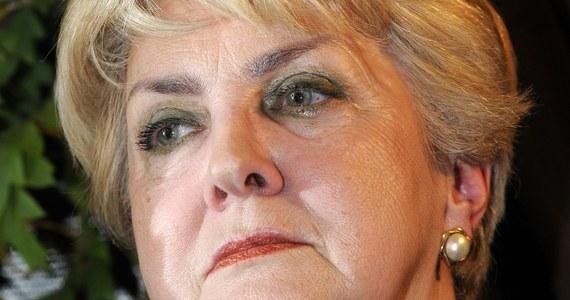 """""""Czuje się urażona, że piąte miejsce na liście wyborczej w Warszawie, które mi obiecano, dostała osoba niezwiązana z SLD. Dlatego zrezygnowałam ze startu w wyborach"""" - powiedziała była posłanka Sojuszu, była szefowa KRRiT Danuta Waniek."""