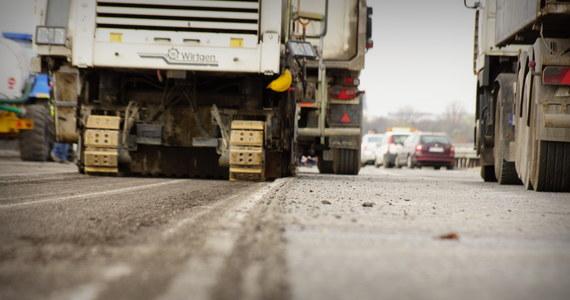 Kłopoty z dokończeniem budowy autostrady A1 pod Częstochową. Nikt nie zgłosił się do wykonania tak zwanych prac dodatkowych. Dlatego przetarg został unieważniony.
