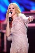 """Sylwia Grzeszczak świętuje 10-lecie płytą """"Best Of Live: 10ten Tour"""". Zobacz teledysk """"Rakiety"""""""