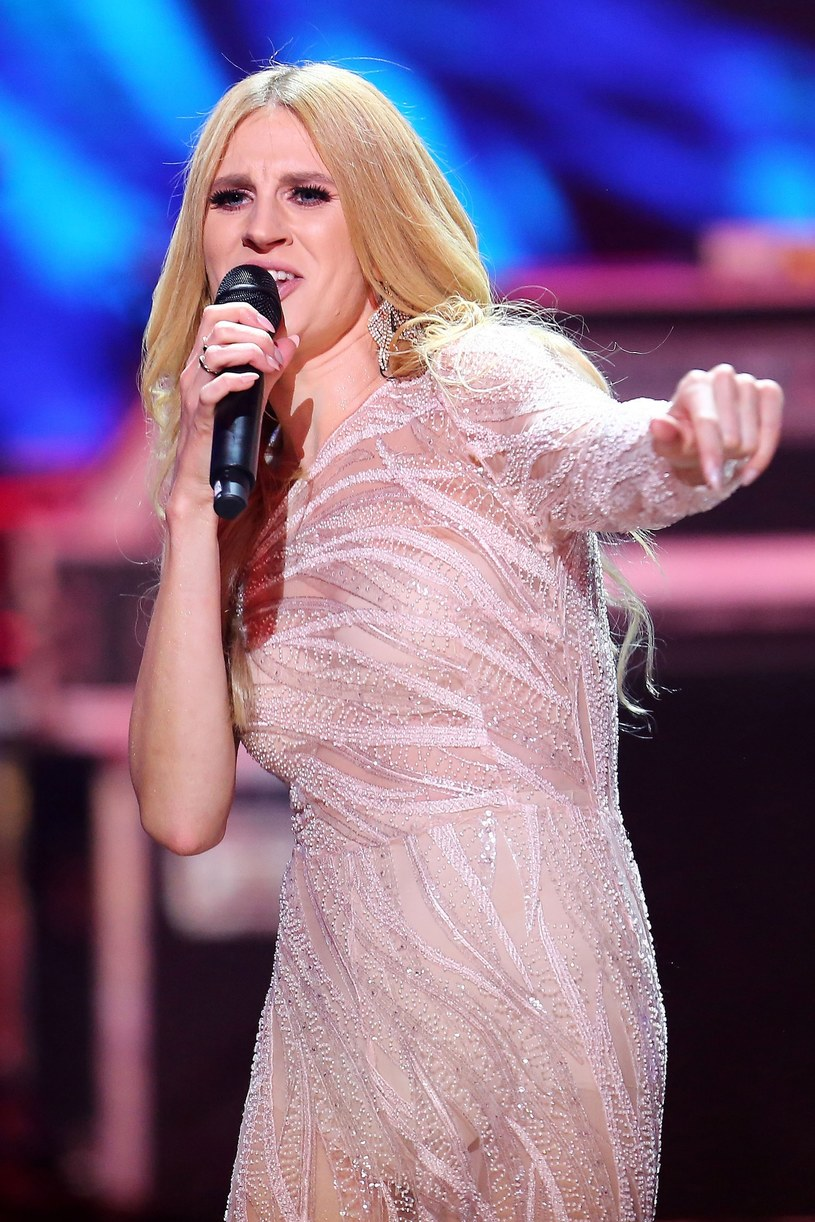 """Z okazji jubileuszu 10-lecia wydania pierwszego albumu, Sylwia Grzeszczak prezentuje koncertową płytę """"Best Of Live: 10ten Tour"""", który jest zapisem jej występu w trójmiejskiej Ergo Arenie. Premiera albumu - 20 września."""