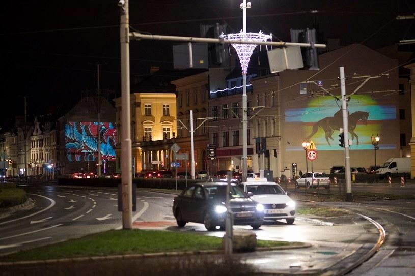 Kinomural to projekt, dzięki któremu wrocławskie Nadodrze zamieni się w wielkoformatową galerię sztuki. W dniach 20-21 września na 12 ścianach 8 kamienic pojawią się ruchome murale autorstwa artystów z Polski, Kolumbii, Chin, Japonii, USA czy Szwajcarii. To pierwszy w Polsce projekt prezentujący sztukę w takiej formule.