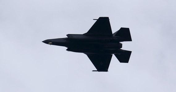 Departament Stanu USA podjął decyzję o zatwierdzeniu sprzedaży Polsce 32 myśliwców F-35 za 6,5 mld dolarów - poinformował departament.