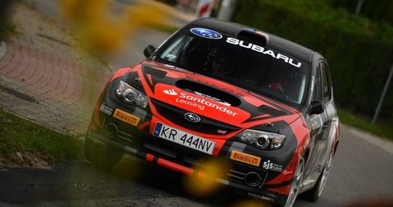 Rajdowe Samochodowe Mistrzostwa Polski to nie tylko samochody R5 i walka w klasyfikacji generalnej. Podczas zakończonego w ostatni weekend Rajdu Śląska warto było zwrócić uwagę na wydarzenia w klasie Open 4WD, w której odnotowano imponujący debiut i obiecujący powrót.