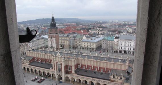 Taka wpadka nie powinna przytrafić się kandydatowi do Senatu z Krakowa, a zwłaszcza humaniście z tytułem doktora i byłemu prezesowi Klubu Jagiellońskiego.