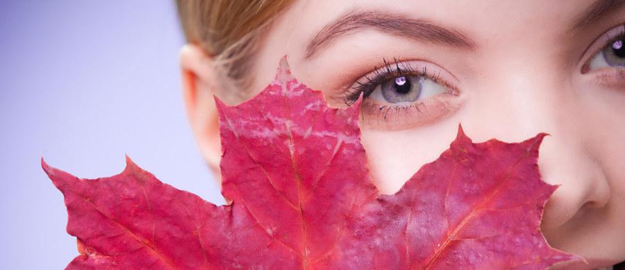 Lato odchodzi w zapomnienie. Tymczasem nadchodząca jesień to idealny czas na to, by pomyśleć o kompleksowej pielęgnacji skóry. Promieniowanie UV nie jest już tak silne i dlatego można bezpiecznie poddać się zabiegom medycyny estetycznej. O tym, na jakie z nich warto się zdecydować o tej prze roku opowiada nasza ekspertka dr n. med. Joanna Sułowicz – specjalista dermatolog.