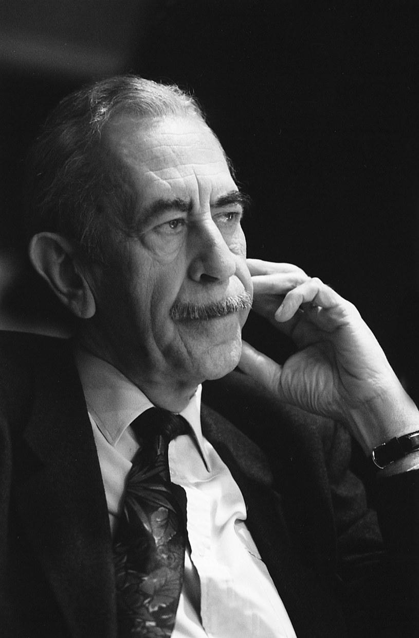 - Jan Kobuszewski był jak Charlie Chaplin na światowej scenie; nie dało się go z nikim porównać - powiedział Andrzej Nejman, dyrektor stołecznego Teatru Kwadrat - ostatniej sceny teatralnej, z którą związany był zmarły w sobotę artysta.
