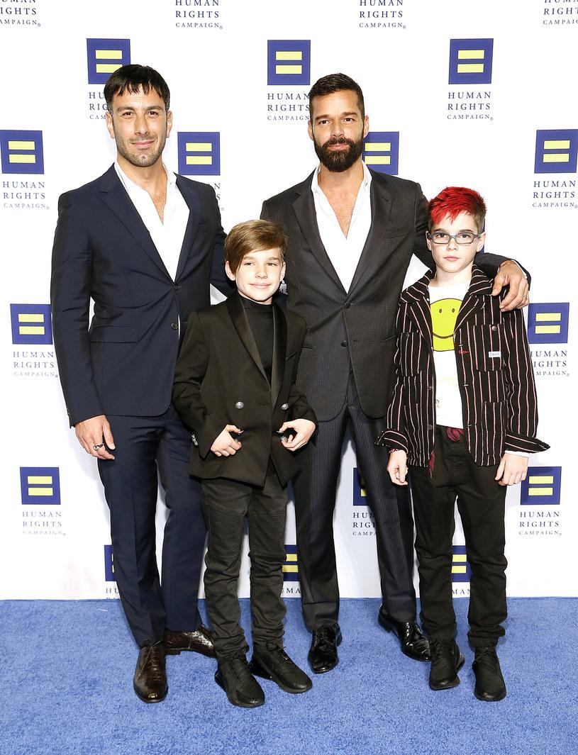 Ricky Martin podczas Human Rights Campaign National Dinner ogłosił ze sceny, że wraz z mężem Jwanem Yosefem spodziewa się dziecka.