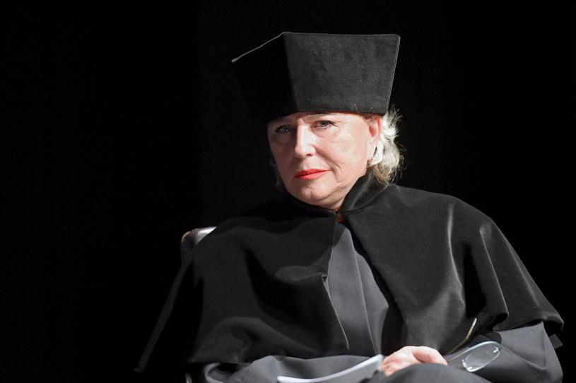 - Nie ma takiego filmu, spektaklu, roli, dla której warto byłoby upokorzyć człowieka; tego jestem pewna - mówiła Krystyna Janda, której w poniedziałek nadano tytuł doktora honoris causa Akademii Sztuk Teatralnych w Krakowie.