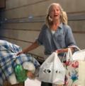 Bezdomna zachwyciła swoim śpiewem. Wideo podbija sieć