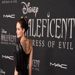 Angelina Jolie z dziećmi na premierze