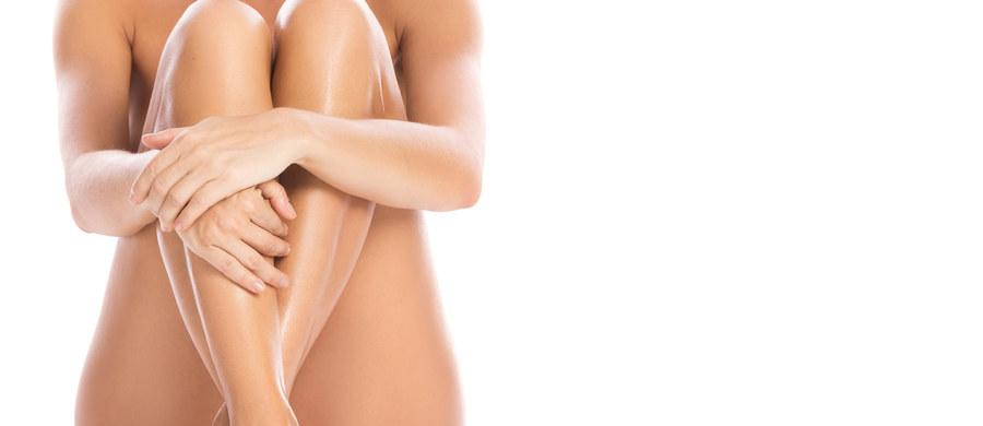Liszaj to przewlekłe schorzenie dermatologiczne występujące głównie w okolicach miejsc intymnych u kobiet, głównie w wieku pomenopauzalnym. Jego objawy są uporczywe, powodują duży dyskomfort i przyczyniają się do powstawania innych, poważniejszych dolegliwości.