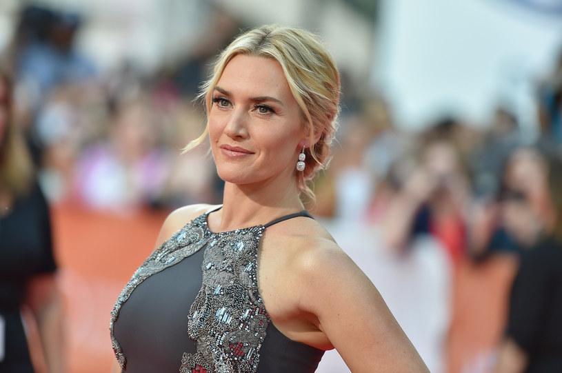 """Kate Winslet, aktorka znana m.in. z """"Titanica"""" i nagrodzona Oscarem za grę w """"Lektorze"""", w rozmowie z """"Vanity Fair"""" przyznała, że z perspektywy czasu żałuje gry w filmach Romana Polańskiego i Woody'ego Allena. Obaj ci twórcy są oskarżani o molestowanie seksualne."""
