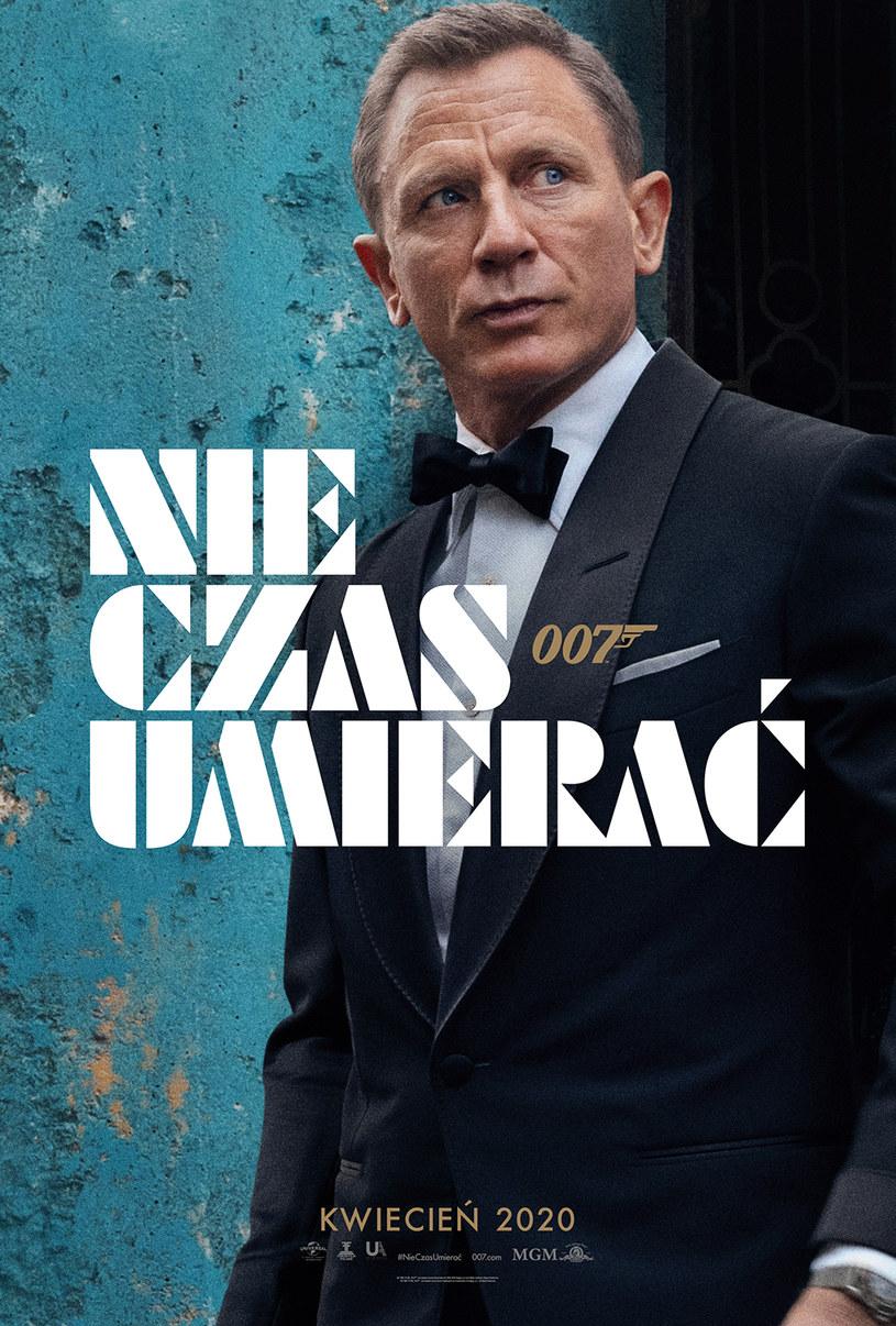 """""""Nie czas umierać"""", czyli 25. część serii o przygodach Jamesa Bonda, trafi na ekrany polskich kin 3 kwietnia 2020 roku. Właśnie zaprezentowano pierwszy plakat tej produkcji."""