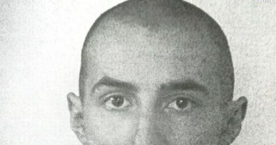 15-latek, jeden ze sprawców napadu na hokeistę GKS-u Katowice, trafił do schroniska dla nieletnich - taką decyzję podjął sąd. Nadal poszukiwany jest drugi napastnik. To 29-letni mężczyzna. Policja opublikowała jego wizerunek.
