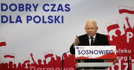 Z Jarosława Kaczyńskiego wychodzi PRL