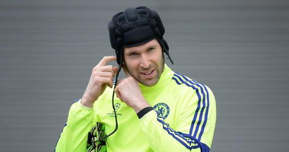 Petr Cech, który po zakończeniu piłkarskiej kariery został doradcą w Chelsea Londyn, stanie ponownie w bramce. Ale tym razem... hokejowej. 37-letni Czech najprawdopodobniej w niedzielę zadebiutuje w angielskim, trzecioligowym zespole Guildford Phoenix.