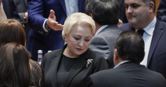 Parlament Rumunii przegłosował wniesiony przez partie opozycyjne wniosek o wotum nieufności dla socjaldemokratycznego rządu premier Vioricy Dancili. Opozycja zarzucała szefowej rządu m.in. niekompetencję i blokowane inwestycji publicznych.