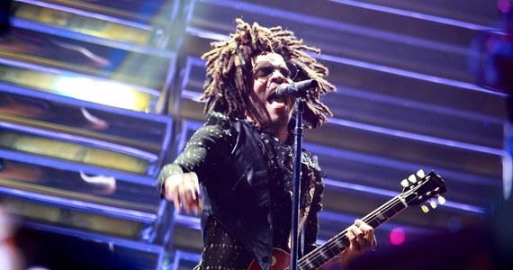 """Lenny Kravitz wystąpi w Polsce. Artysta ogłasza nową trasę koncertową """"Here to Love"""" Tour 2020. Fani będą go mogli zobaczyć już w czerwcu w Arena Gliwice."""