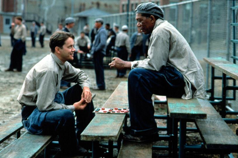 """W tym roku mija 25 lat od premiery filmu """"Skazani na Shawshank"""". Co ciekawe, obraz z Timem Robbinsem i Morganem Freemanem nie odniósł sukcesu kinowego, dopiero z biegiem lat zyskał status jednego z najlepszych w historii."""