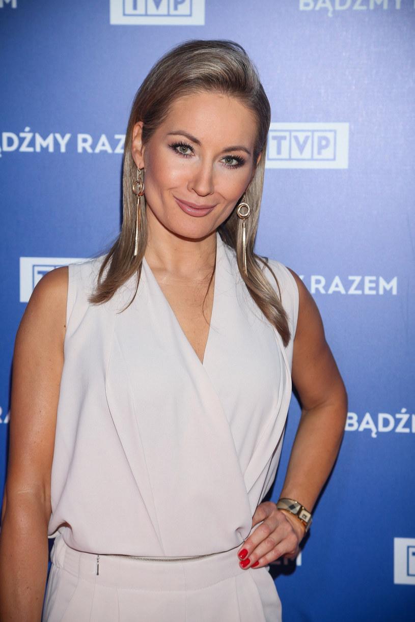 """Po 22 latach Zuzanna Falzmann odchodzi z pracy w telewizji. Wieloletnia korespondentka Polsatu i TVP w Stanach Zjednoczonych poinformowała telewidzów, że przyszedł """"czas na nowy rozdział w życiu zawodowym""""."""