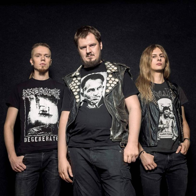 Black / speedmetalowa grupa Regressive z Litwy przygotowała pierwszy album.