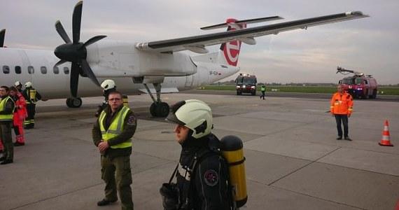 Awaryjne lądowanie samolotu na warszawskim lotnisku Chopina w Warszawie. Maszyna LOT-u zawróciła tuż po starcie. Nikomu nic się nie stało.