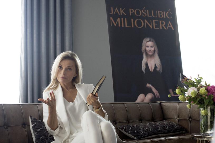 """Filarami nowej polskiej komedii romantycznej """"Jak poślubić milionera"""" są Małgorzata Socha i Małgorzata Foremniak. Jedna wciela się w dziewczynę, która przypadkiem trafia na kurs uwodzenia, druga gra jej mentorkę."""