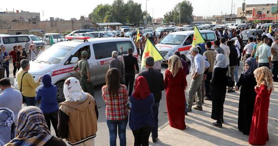 Kurdyjscy bojownicy w niedzielę opuścili miasto Ras al-Ajn na północy Syrii - podała agencja AP, powołując się na rzecznika Syryjskich Sił Demokratycznych (SDF), których trzon stanowią Kurdowie. Ewakuację potwierdziło ministerstwo obrony Turcji.