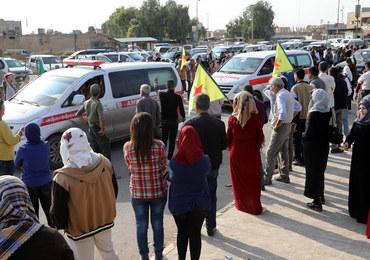 Kurdyjscy bojownicy i cywile wycofują się z miasta Ras al-Ajn