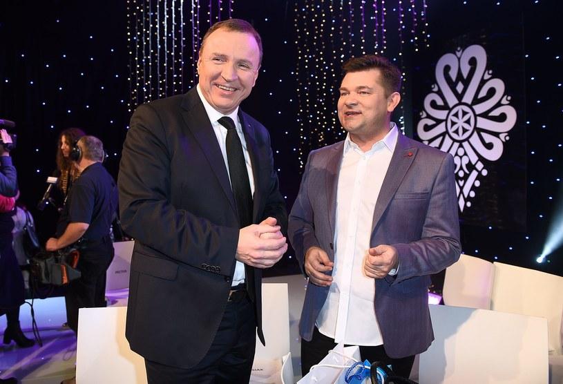 Kilka dni temu ruszyły zdjęcia do ekranowej biografii Zenona Martyniuka, lidera discopolowej grupy Akcent. Producentem filmu jest Telewizja Polska, dlatego w miniony weekend plan odwiedził prezes TVP, Jacek Kurski.
