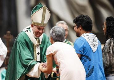 Papież: Wierzący uważający się za lepszych, stają się cynicznymi kpiarzami
