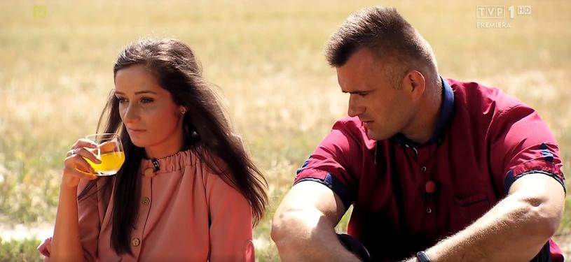 """""""Rolnik szuka żony"""" to program, który wzbudza sporo emocji wśród widzów TVP. Miłosne perypetie rolników i ich kandydatek budzą wielkie zainteresowanie nawet po zakończeniu emisji telewizyjnego show. Podobnie jest tym razem - Natalia, która nie znalazła miłości w programie, jest szczęśliwie zakochana."""