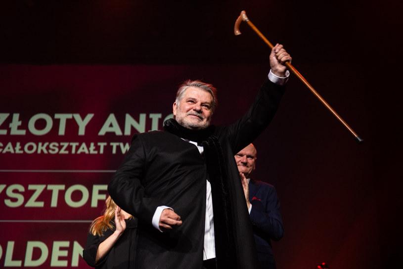 Krzysztof Globisz otrzymał w sobotę, 26 października, w Toruniu statuetką Złotego Anioła za całokształt twórczości aktorskiej, przyznaną przez organizatorów 17. Międzynarodowego Festiwalu Filmowego Tofifest. Wręczono też wyróżnienia za niepokorność twórczą i nagrody za filmy prezentowane w konkursach.
