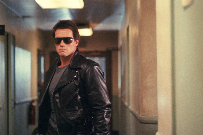 """Nim Arnold Schwarzenegger przyjął rolę w """"Terminatorze"""", umówił się na lunch z reżyserem Jamesem Cameronem i producentami. Choć wbrew panującemu obyczajowi to aktor musiał za niego zapłacić, nie zniechęciło to go do zaangażowania się w projekt. 26 października minęło 35 lat od premiery kultowego filmu."""