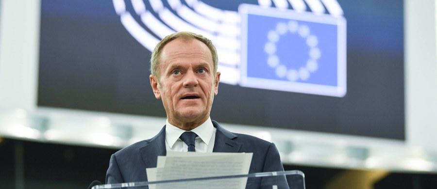 Ambasadorowie 27 państw unijnych zgodzili się w poniedziałek, że UE zaakceptuje wniosek Wielkiej Brytanii o przedłużenie brexitu do 31 stycznia 2020 roku - poinformował przewodniczący Rady Europejskiej Donald Tusk.