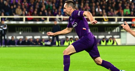 Fiorentina przegrała na własnym boisku z Lazio Rzym, a decydująca bramka autorstwa Ciro Immobile padła w ostatniej minucie regulaminowego czasu gry. Tuż po meczu emocji na wodzy nie potrafił utrzymać Franck Ribery, którego najprawdopodobniej czeka dotkliwa kara.
