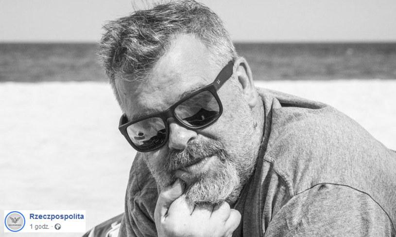 """Wojciech Romański, dziennikarz """"Rzeczypospolitej"""", zginął w wypadku samochodowym pod Mszczonowem. Miał 53 lata."""