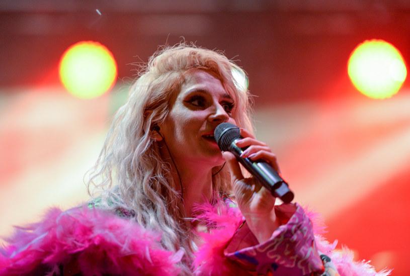 Fani Sylwii Grzeszczak zostali zaskoczeni przez wokalistkę jej najnowszym zdjęciem na Instagramie. To kolejna już w ostatnim czasie metamorfoza popularnej wokalistki.