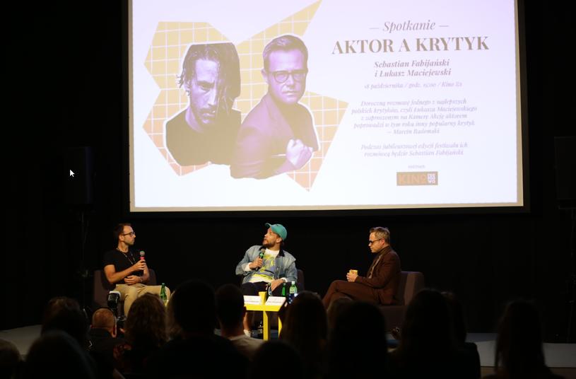 W dniach od 17 do 20 października 2019 roku w Łodzi odbył się 10. Festiwal Krytyków Sztuki Filmowej Kamera Akcja. Wydarzenie zostało zapoczątkowane w 2009 roku przez studentów filmoznawstwa Uniwersytetu Łódzkiego. Z racji okrągłej edycji organizatorzy oraz uczestnicy często zwracali uwagę na drogę, jaką w ciągu dekady przeszło jedyna w Polsce impreza w pełni poświęcona krytyce filmowej.