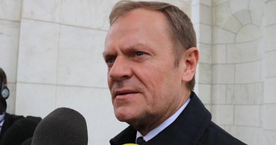 """UE27 formalnie zaakceptowała opóźnienie brexitu do końca stycznia 2020 roku - poinformował Donald Tusk. Przewodniczący Rady Europejskiej zaznaczył jednakże, że to przedłużenie """"może być ostatnie""""."""