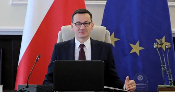 Kierownictwo Zjednoczonej Prawicy ustaliło strukturę przyszłego rządu. Potwierdzono także rekomendację Mateusza Morawieckiego jako kandydata na premiera - powiedział wicerzecznik PiS Radosław Fogiel po spotkaniu władz Zjednoczonej Prawicy.