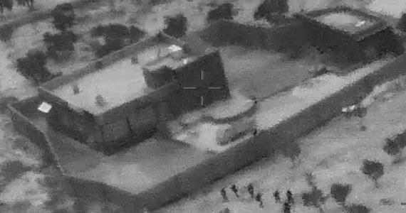 Państwo Islamskie potwierdza śmierć wieloletniego lidera grupy Abu Bakra al-Bagdadiego - informuje medialne ramie terrorystów Al Furqan. Dżihadyści opublikowali krótkie nagranie audio w tej sprawie.