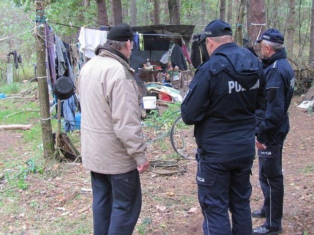Dwaj policjanci z Gdańska zatrzymani. Nieoficjalnie: Chodzi o znęcanie się nad bezdomnym