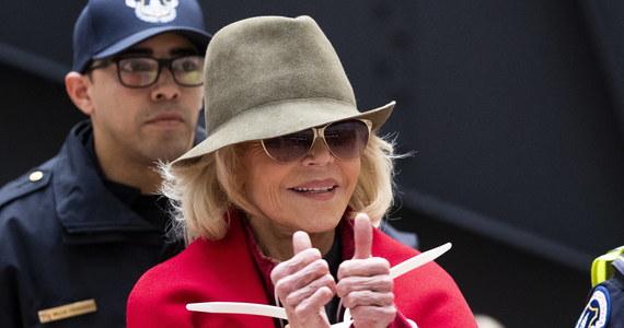 Jane Fonda została aresztowana po raz czwarty w ciągu miesiąca. Do zatrzymania doszło  w Waszyngtonie podczas udziału aktorki w demonstracji przeciwko bierności polityków w obliczu niebezpieczeństw związanych ze zmianami klimatu. Fondzie grozi kilka dni więzienia.