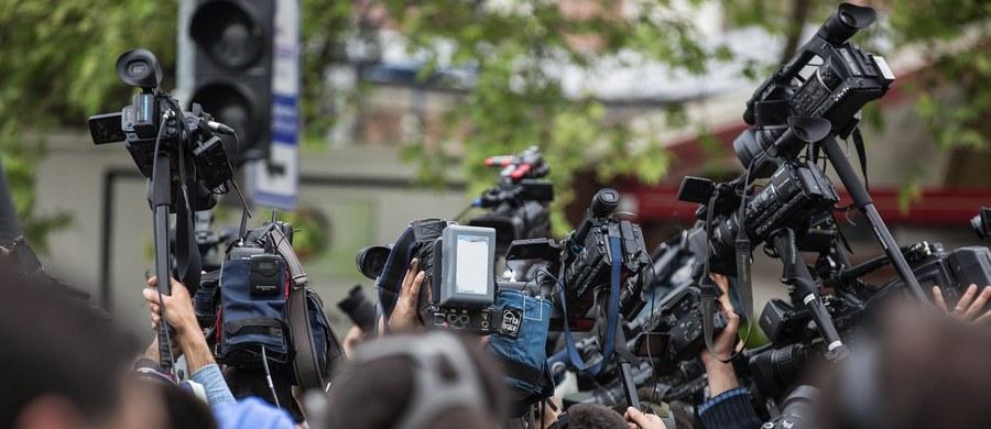 Kraje arabskie są najbardziej niebezpieczne dla dziennikarzy – wynika z raportu UNESCO, który jest poświęcony bezpieczeństwu pracy przedstawicieli mediów. Dokument został opublikowany z okazji Międzynarodowego Dnia Zakończenia Bezkarności Popełniania Zbrodni wobec Dziennikarzy, który przypada 2 listopada.